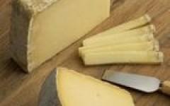 Sur la route des fromages - Murat (15)